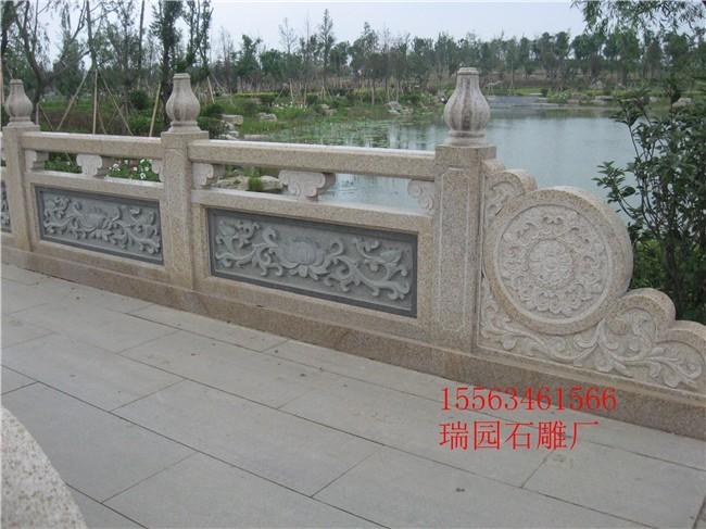 首页 供应信息 石材 石雕工艺品 > 河边石头护栏及河道石栏杆设计样式
